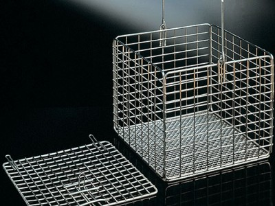 Корзины металлические квадратные с крышкой
